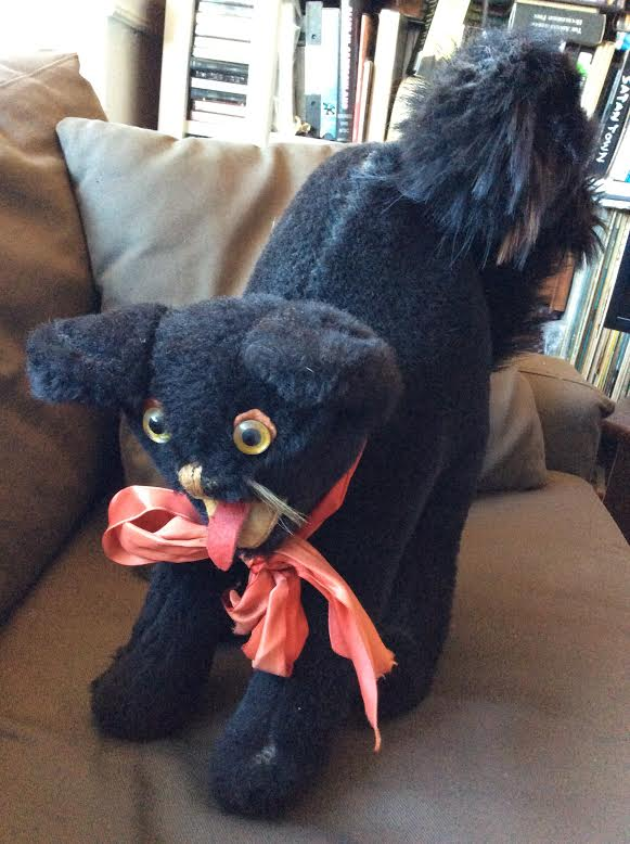 black cat w/ bow
