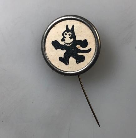 Felix button