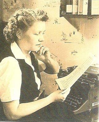 Margaret-at-her-typewriter-courtesy-of-Lindsay-Sutton-Stroh.jpg